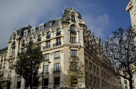 Refurbishment following french HQE regulations Rue des Italiens Paris